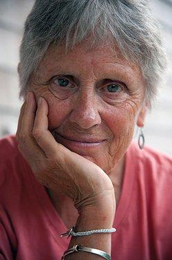 Claire Willis Author image